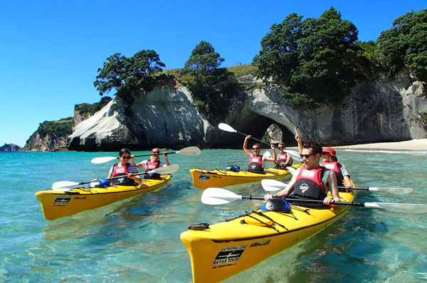 cathedral cove kayak tour